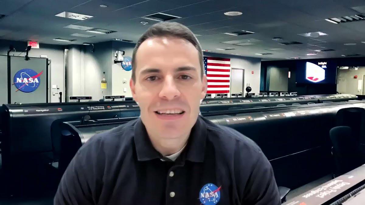 Fernando Abilleira, antiguo alumno del Claret Madrid, envía un mensaje desde la NASA a los alumnos