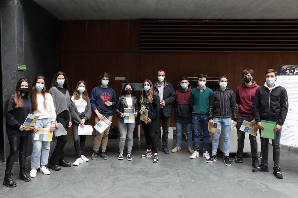 Alumnos de nuestro Colegio de Pamplona presentan el primer Código Ético del buen ejercicio de la política