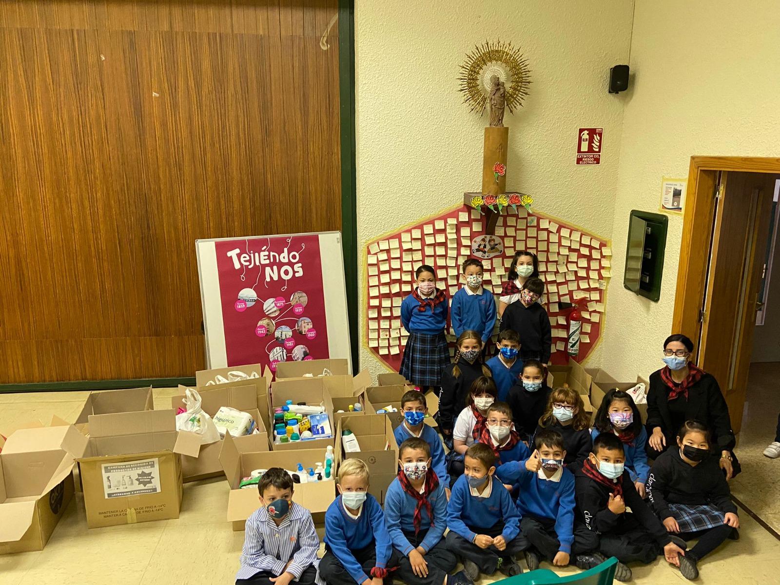 Ofrenda floral a la Virgen del Pilar de nuestro Colegio de Zaragoza